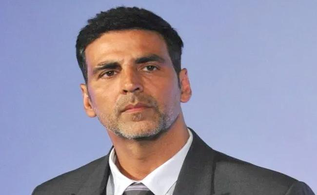Case Filed Against Akshay Kumar His Role In Advertisement - Sakshi