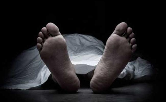 Indian Businessman Dies Of Cardiac Failure In UAE - Sakshi
