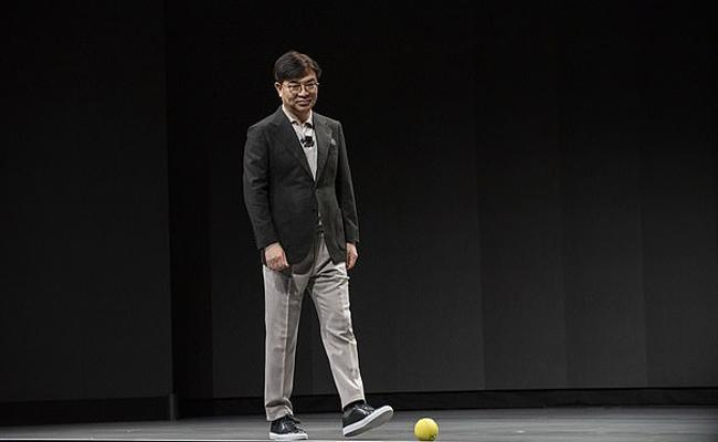 A Small Robot In Form Of Ball Was Unveiled By Samsung Electronics - Sakshi