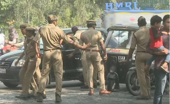 Security Tightened to US Consulate at Hyderabad - Sakshi