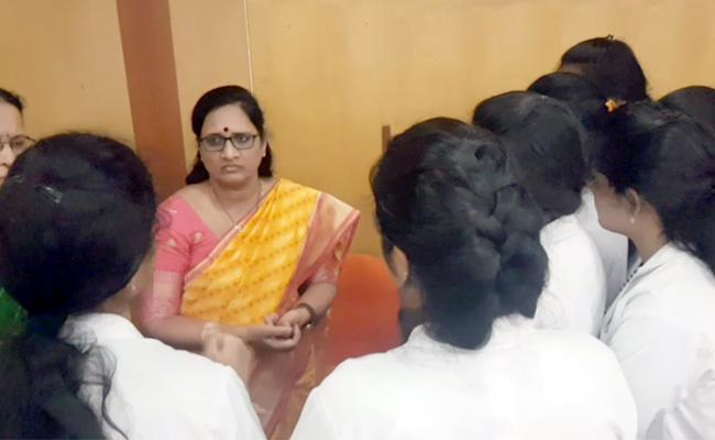 Vasireddy Padma Meets Molestation Victim In West Godavari District - Sakshi