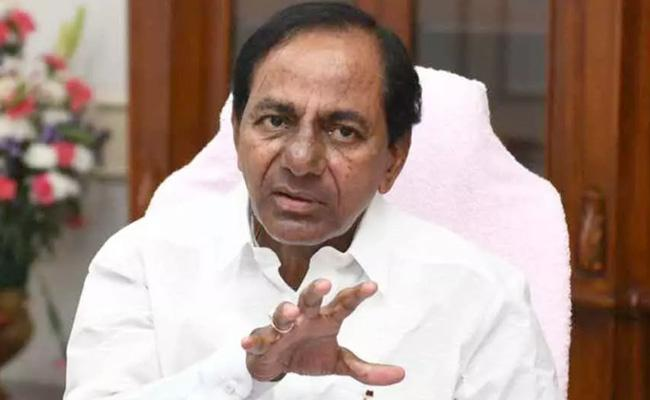 CM KCR Fires On Ministers Over Delay Attend Meeting Hyderabad - Sakshi