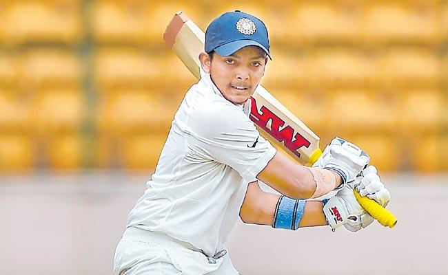 Prithvi Shaw Accused For Leading Poor Lifestyle After Ranji Trophy Injury - Sakshi