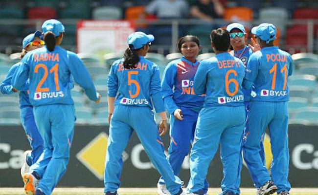 Indian Womens Team Will Play In Triseries Final - Sakshi