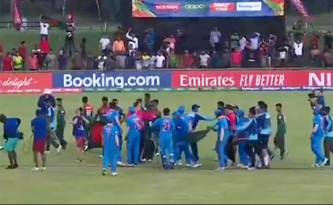 Under 19 World Cup Final Players Brawl Each Other In The Field - Sakshi