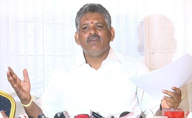 Chevireddy Bhaskar Reddy Fires On AB Venkateswara Rao - Sakshi