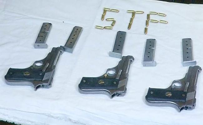 Guns And Weapons Smuggling Gang Arrest in Hyderabad - Sakshi