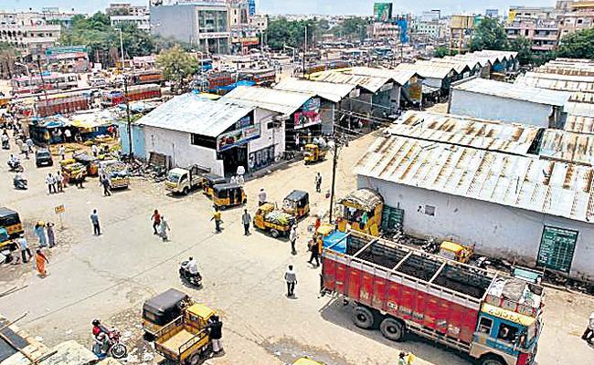 Kothapet Fruit market Shifting Delayed to Koheda - Sakshi