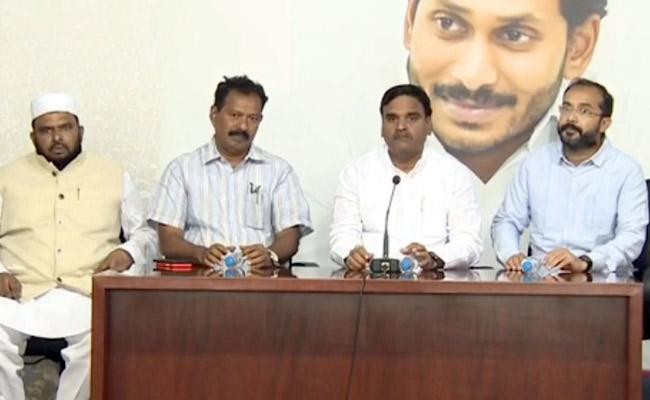 Andhra Pradesh WantsDecentralization Approach For Overall Growth - Sakshi