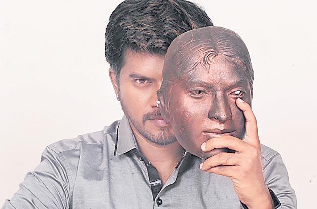 Pa Vijay Aaruthra Telugu Movie gets u certificate - Sakshi