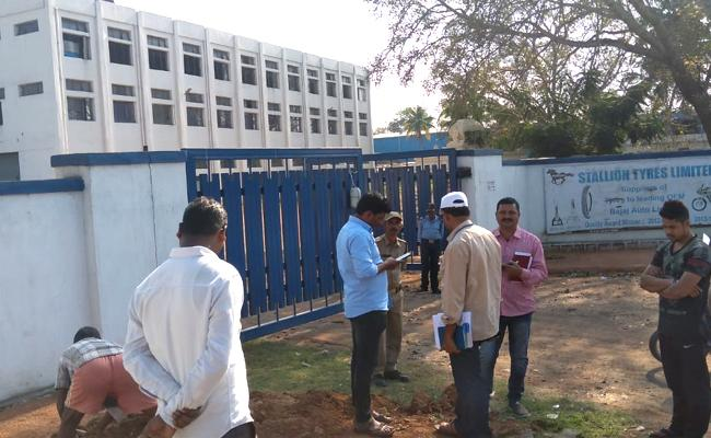 Vigilance Officers Enquiry On Illegal Water Connections In Hyderabad - Sakshi