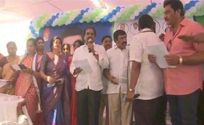 Kurasala Kannababu Said 50 Lakhs Allocated For kakinada Market Yard - Sakshi