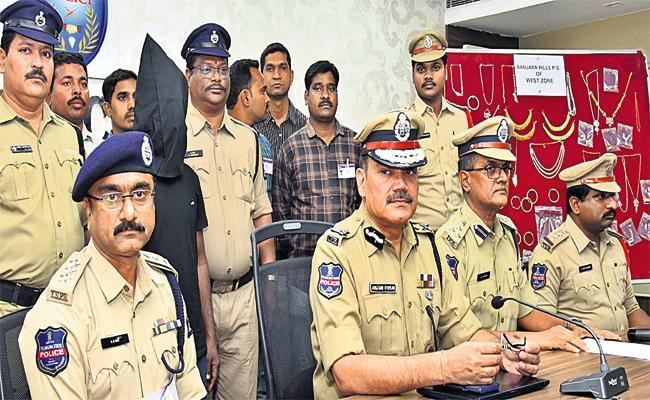 Mukhiya Gang Arrest in Hyderabad - Sakshi