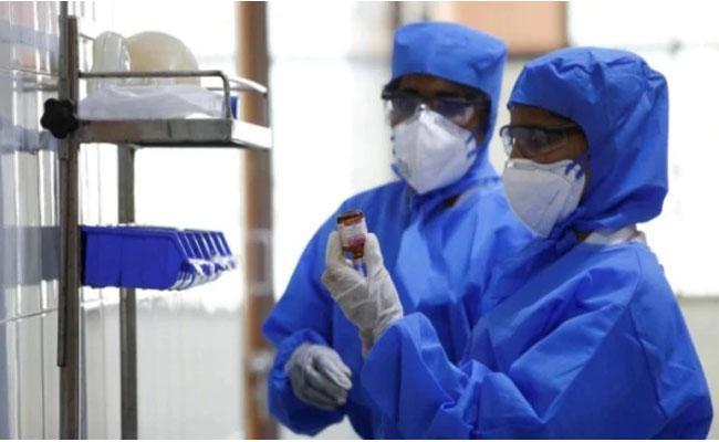 Two more passengers test positive for coronavirus at Kolkata airport - Sakshi