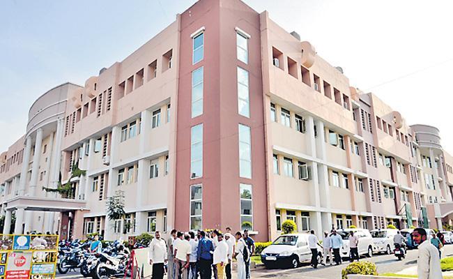High Court Says To State Not Demolish Secretariat - Sakshi