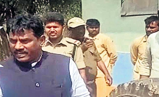 TRS Leader Arrest in Hidden Funds Hunting case Hyderabad - Sakshi
