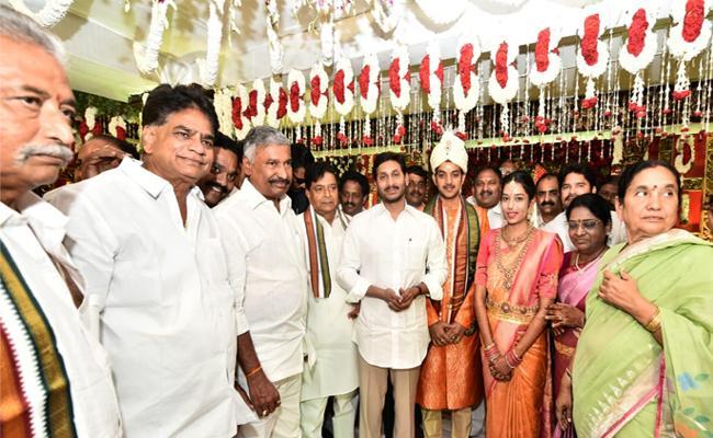 CM YS Jagan Attend MLC Kanteti Satyanarayana Raju Grandson Wedding - Sakshi