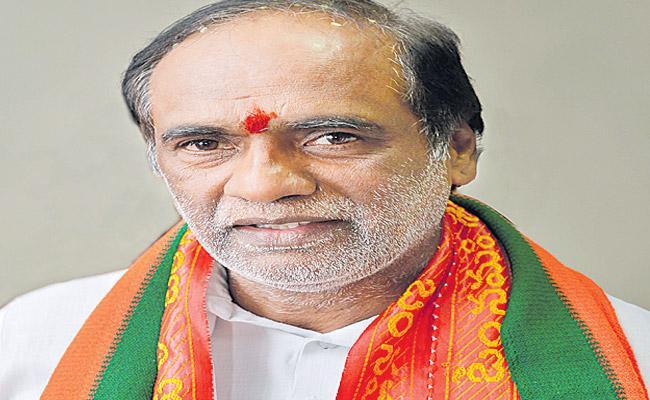 BJP Leader Laxman Slams Uttam Kumar Reddy - Sakshi