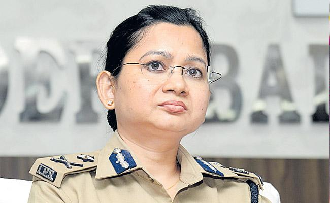 Swati Lakra Speaks Over NRI Husband Harassment Cases In Telangana - Sakshi