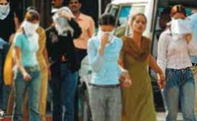 Police Attack on Prostitution House Hyderabad - Sakshi