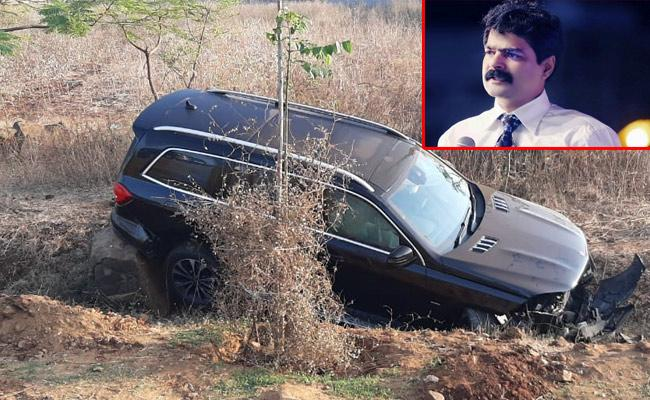 Brother Anil Kumar Car Met With Road Accident In Krishna District - Sakshi