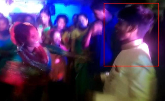 Bridegroom Died While Dancing At His Baraat In Nizamabad District - Sakshi