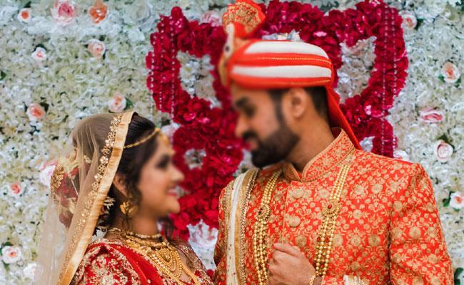 Indian Youth Want To Get Married On Feb 14th Report Says - Sakshi