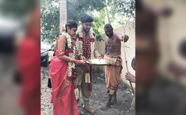 Bride And Groom Plant a Tree on Wedding Day Tamil nadu - Sakshi