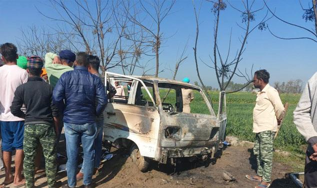 4 Students Killed As School Van Catches Fire In Punjabs Sangrur - Sakshi
