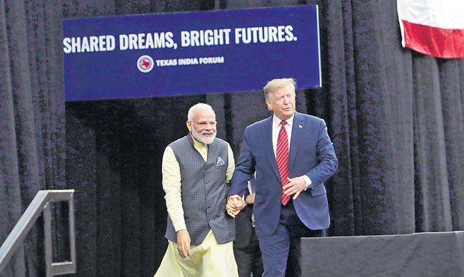 Gujarat Government prepare to kem chho Trump - Sakshi
