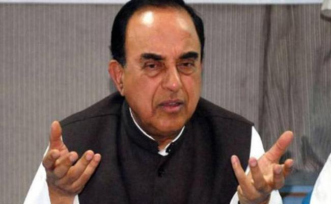 Subramanian Swamy Made Comments On Gandhi About No Autopsy On Body - Sakshi