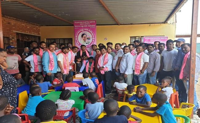NRI TRS Cell Celebrates KCR Birthday In South Africa - Sakshi