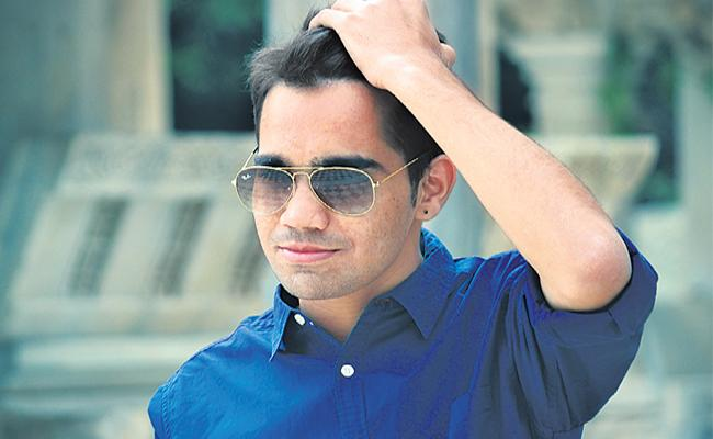 A Man Goes To Muscat Story In Telangana Slang - Sakshi