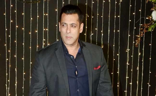Salman Khan Says Will Not Pick Filmfare Or Any Stupid Awards - Sakshi
