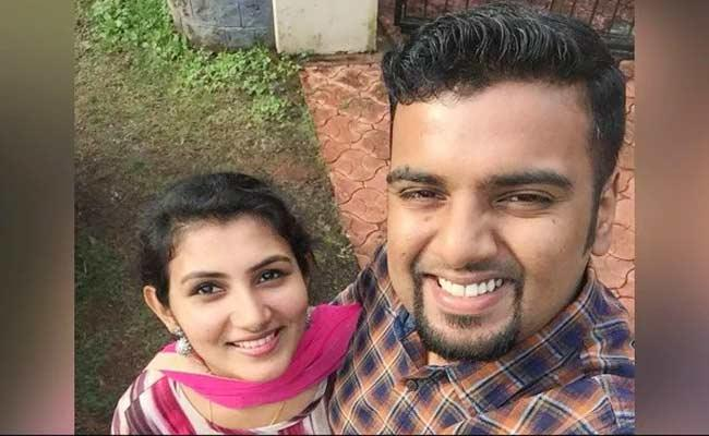 Kerala Man Who Suffered Burns While Trying To Save Wife In Fire Died In UAE - Sakshi
