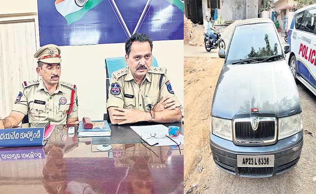 2 Thiefs Attacked A Man And Robbed Money - Sakshi