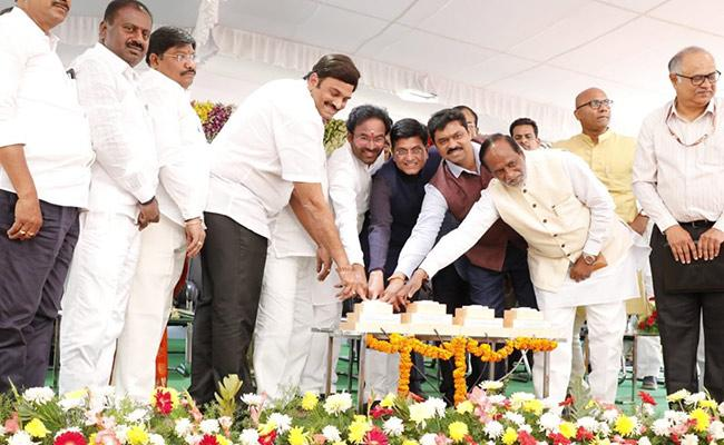 Piyush Goyal Lays Foundation Stone Of Railway Development Works - Sakshi