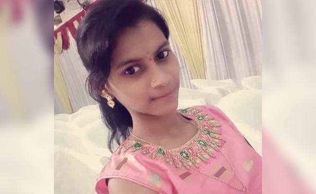 Father Killed Daughter For Money in Karnataka - Sakshi