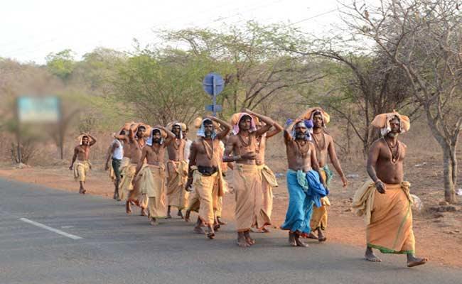 Devotee Going To Mallikarjuna Swamy Temple By Walk From Achampet - Sakshi