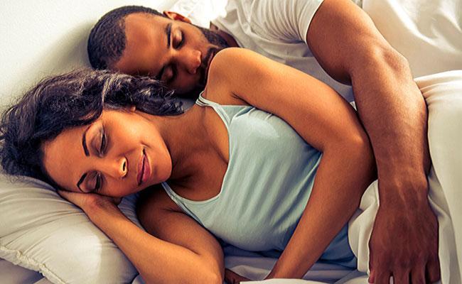 Lovers T Shirt Smell Work Like A Medicine For Sleep Deprivation - Sakshi