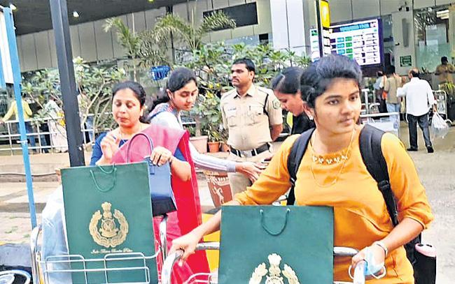 Coronavirus Outbreak: Telugu Students Reach Vizag From Wuhan - Sakshi