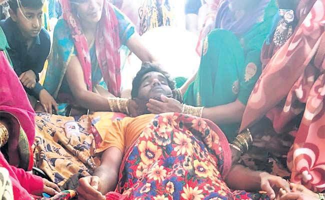 Man Died In Sister In Marriage Bharaat - Sakshi
