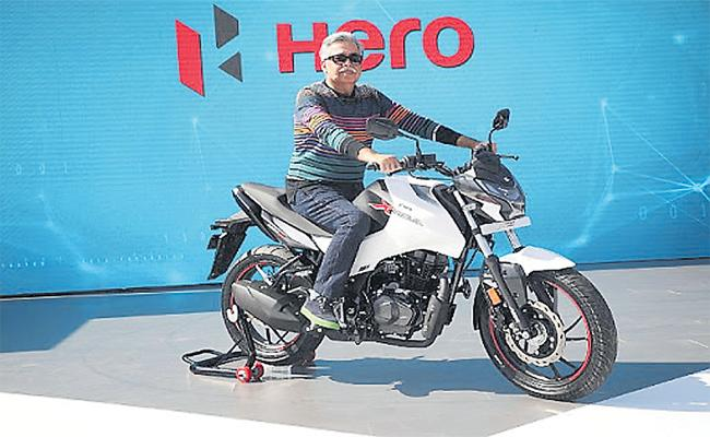 Pawan Munjal Focus on Hero Motocorp Expansion - Sakshi