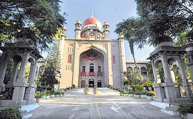 telangana High Court Inquiry Into Encroachment Under Hussain Sagar - Sakshi
