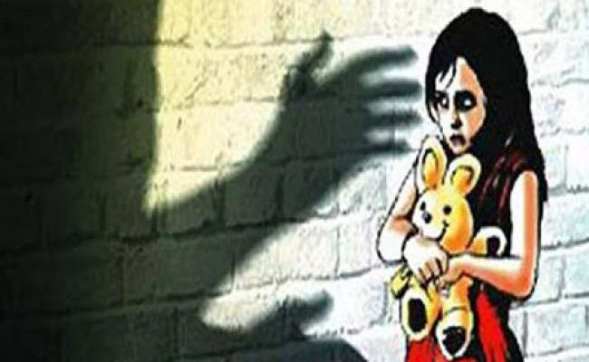 8 Year Old Molested By Relative Driver In Uttar Pradesh - Sakshi