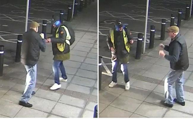 77Year Old Man Fights Off Robber In Viral Video - Sakshi