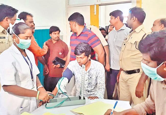 Man Arrested For Murdering Bank Employee Divya At Siddipet District - Sakshi