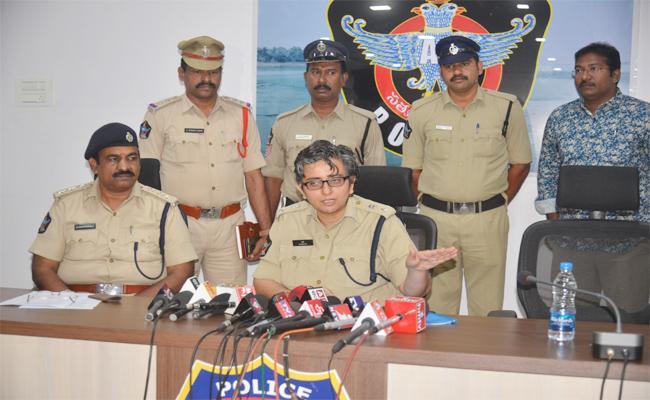 Two Men Arrest in Murder Case East Godavari - Sakshi