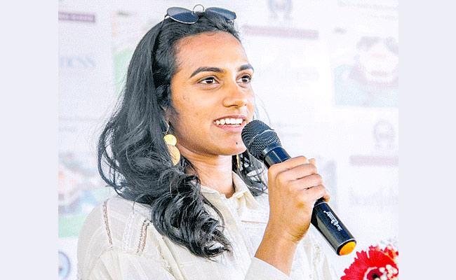 Sindhu Wins ESPN's Female Sportsperson Of The Year Award - Sakshi