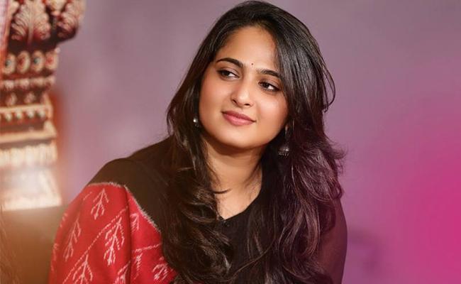 Anushka Gave Clarity On Her Wedding Subject - Sakshi